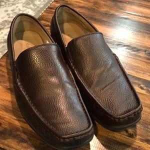 Men's bass loafers dark brown color